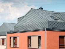 PREFA falcovaná šablona, povrch stucco, Světle šedá P.10